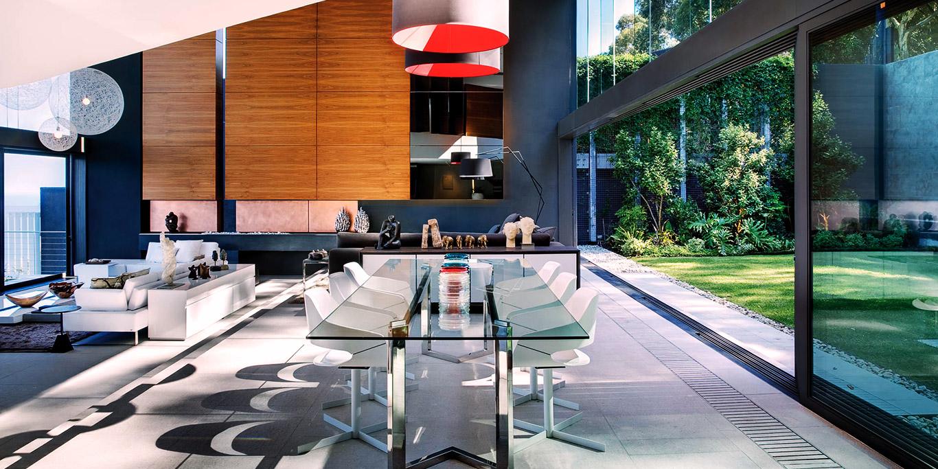 Clifton Luxury Villa Open Dining Area