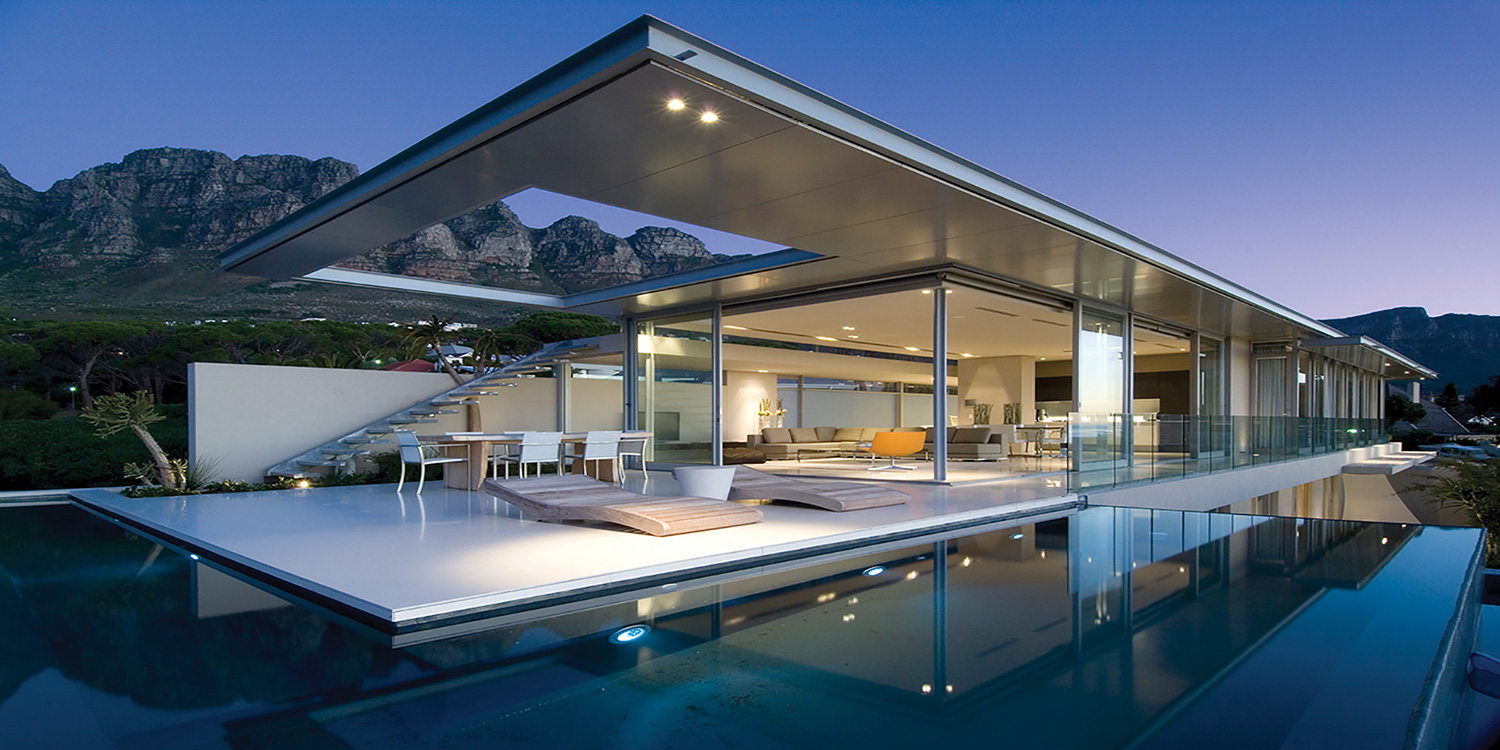 Luxury Camps Bay Villa Near Beach