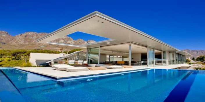 Bond House luxury Camps Bay Villa
