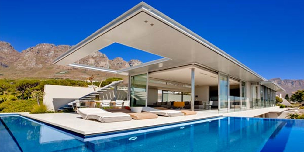 Bond house villa camps bay cape town for Beach house design cape town