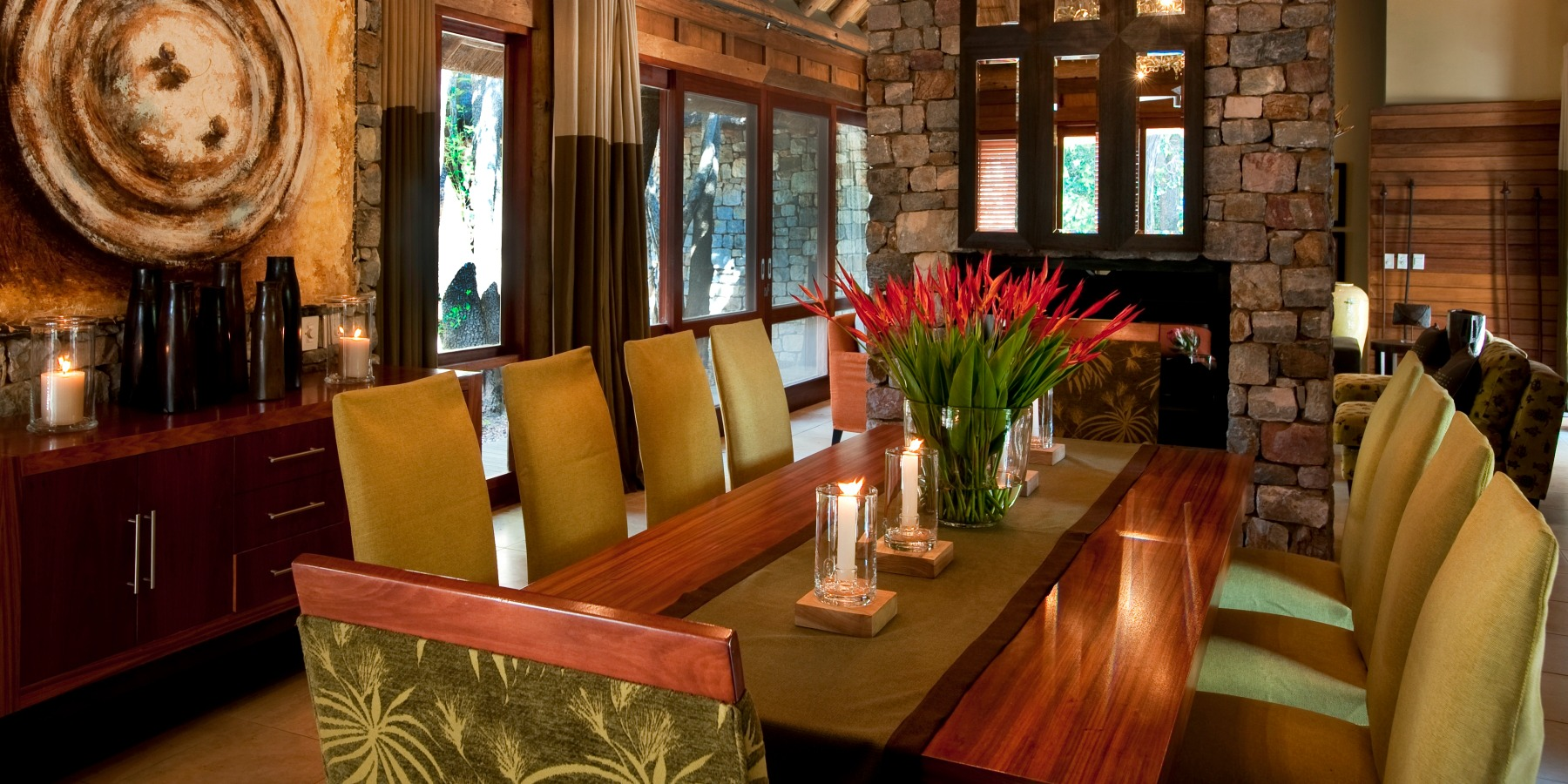Chic River House Dining Area in Madikwe