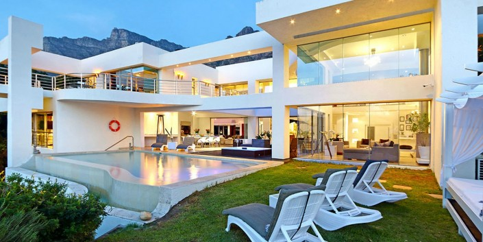 Camps Bay Villa in Cape Town