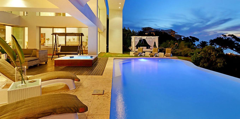 Stunning Infinity Rim Flow Pool at Hollywood Mansion
