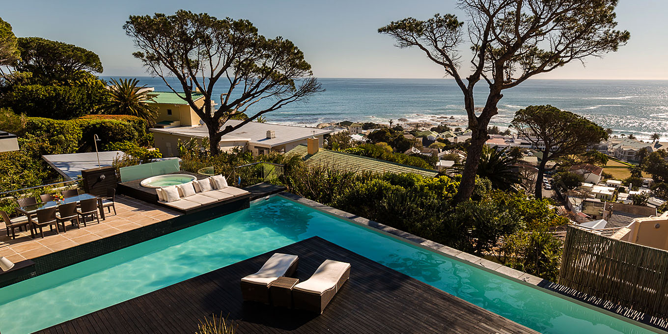 L-shaped Pool in Cape Town Villa