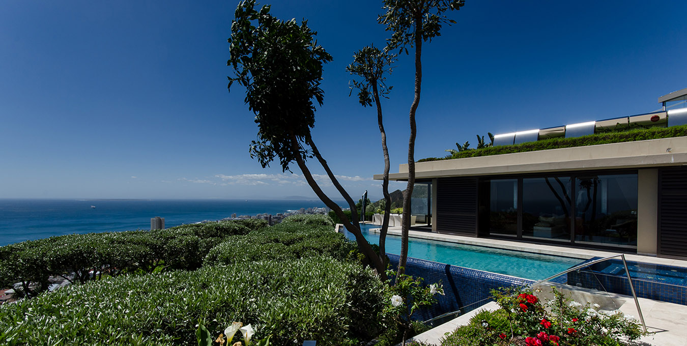 Cape Town Villa in Fresnaye by the sea