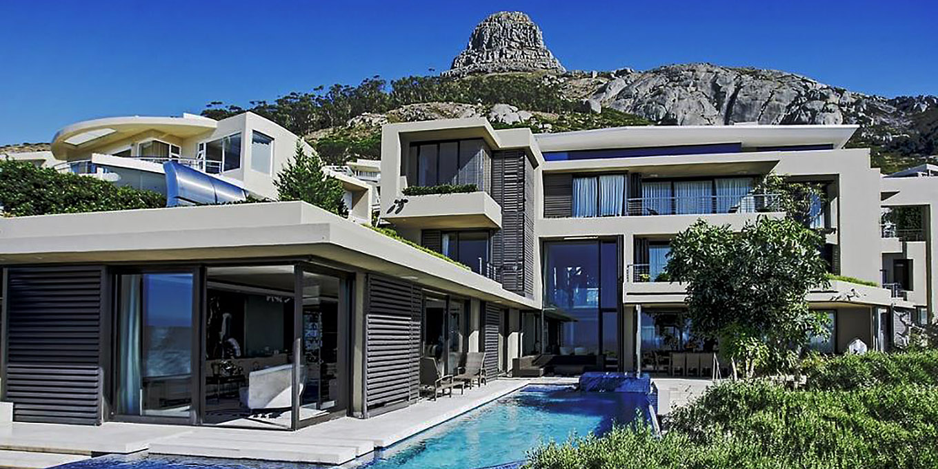 Moondance on the slopes of Lion's Head in Fresnaye